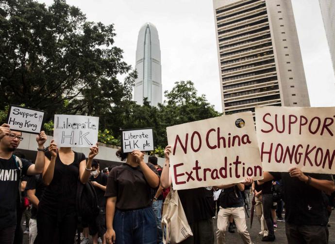 Hong Kong: manifestazioni contro la legge sull'estradizione