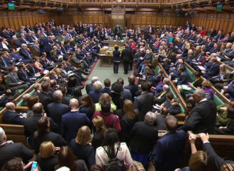 """Nord Irlanda, Londra vota per imporre aborto e """"nozze gay"""""""