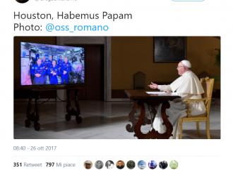 Houston, Habemus Papam