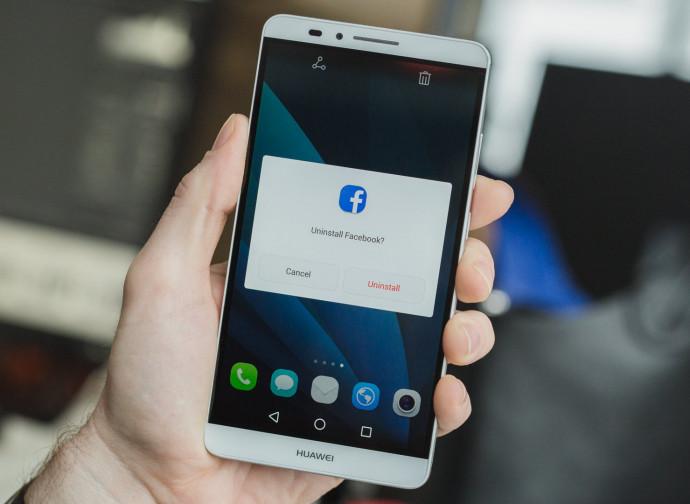 Facebook visto da un cellulare Huawei
