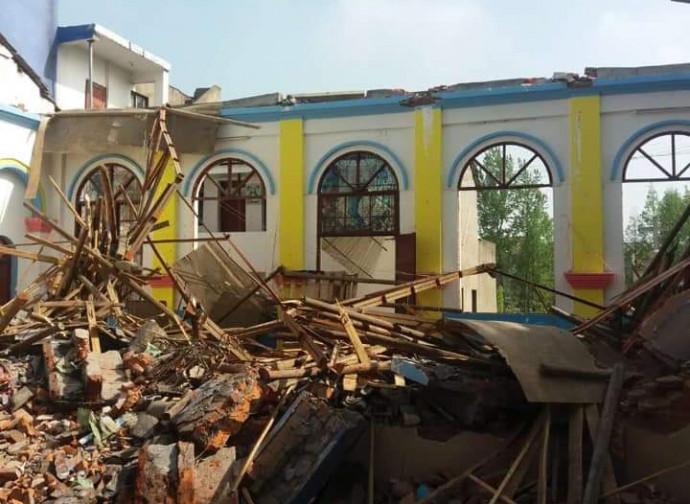 Macerie di una chiesa distrutta nello Hubei