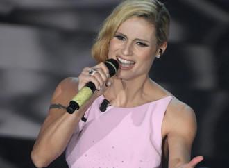 """Michelle canta la Madonna e le femministe """"rosicano"""""""