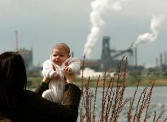 Tutti indignati per l'inquinamento che uccide i bambini. E per l'aborto?