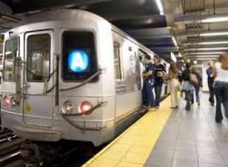 """Metro di New York. Niente """"Signore e signori"""", ma solo """"passeggeri"""""""