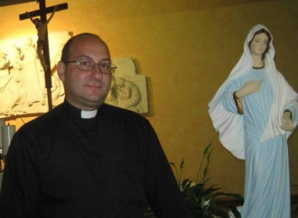 Facebook non sgrana il Rosario: stop a prete minacciato