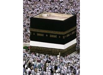 Perché La Mecca scatena la guerra delle scomuniche