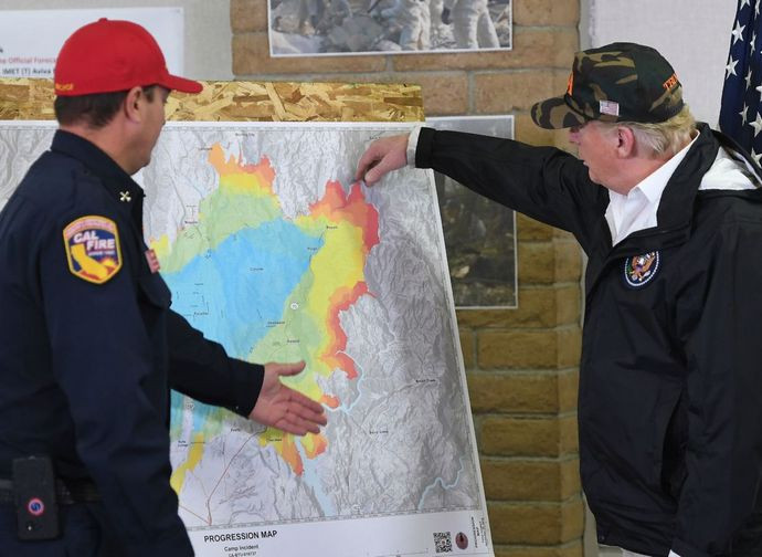Il presidente Trump in vista sui luoghi devastati dall'incendio