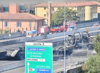 Bologna e Foggia, il lunedì nero delle strade è una domanda