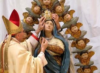 Veleni sul vescovo non allineato, confessione violata