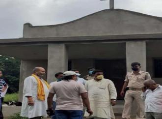Due cristiani arrestati e una chiesa vandalizzata in India per conversioni forzate