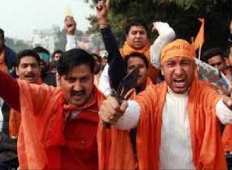 Un pastore evangelico è accusato in India di conversioni forzate