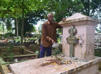 In un cimitero di Giava sono state profanate 11 tombe cristiane