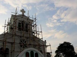 In Indonesia  gli integralisti islamici cercano di impedire la costruzione di una chiesa
