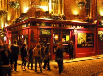 Birra a fiumi il venerdì santo: cade l'ultimo tabù