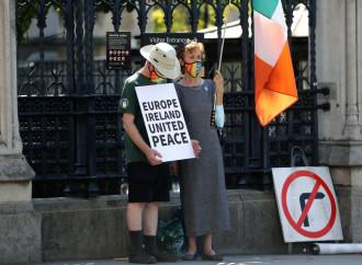 Fra Londra e Bruxelles resta il conflitto sull'Irlanda