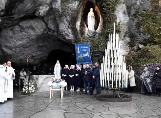 """Lourdes, santuario sottratto al vescovo """"troppo"""" cattolico"""