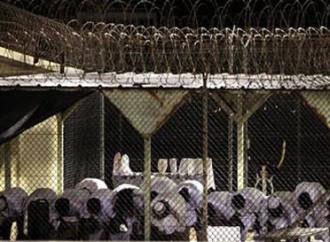 """Terroristi """"padroni"""" in carcere e subito liberati"""