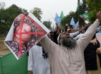 Asia Bibi è libera e all'estero. Il silenzio stampa l'ha salvata