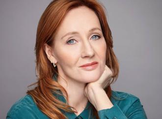 """Se anche la Rowling finisce nel tritacarne """"trans"""""""