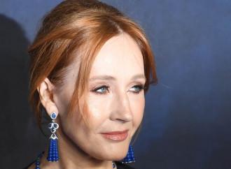 Per la Rowling un uomo non può diventare una donna