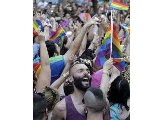L'Ue preoccupata per l'Epatite da Gay pride