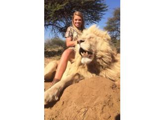 Se gi animalisti danno la caccia alla cacciatrice