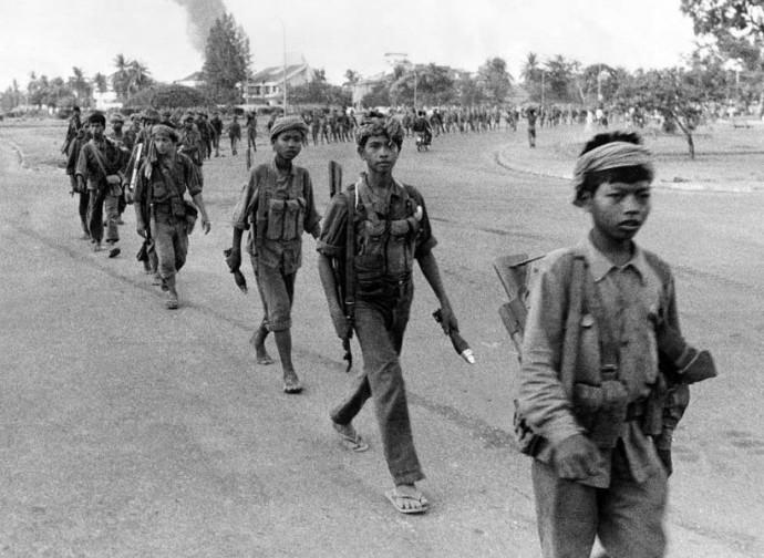 Cambogia, bambini-soldato dei Khmer Rossi