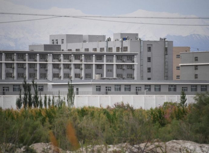 Campo di rieducazione nello Xinjiang