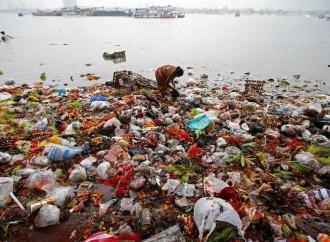 Cina e Indonesia sono i paesi che riversano più plastica in mare