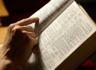 Bibbie a ruba e più preghiere, effetti spirituali del Covid