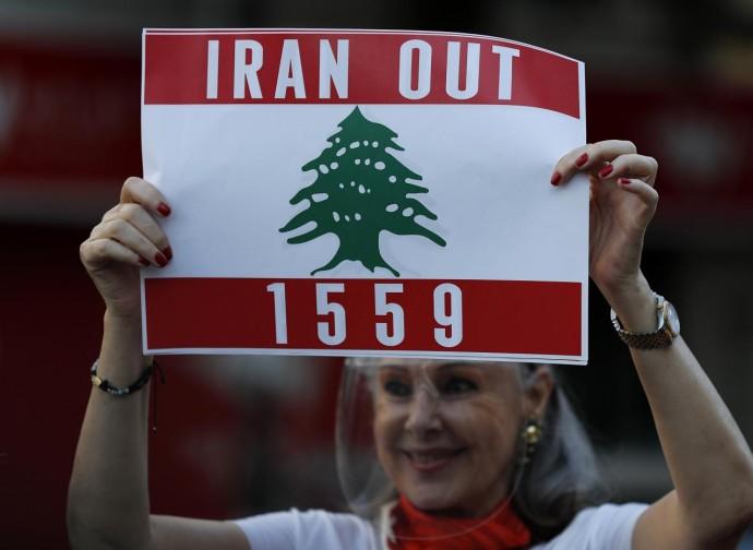 Manifestazione contro l'Iran a Beirut