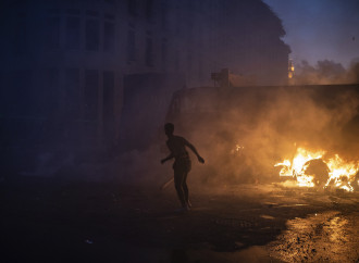 Libano, dopo il lutto scoppia la rivolta contro Aoun