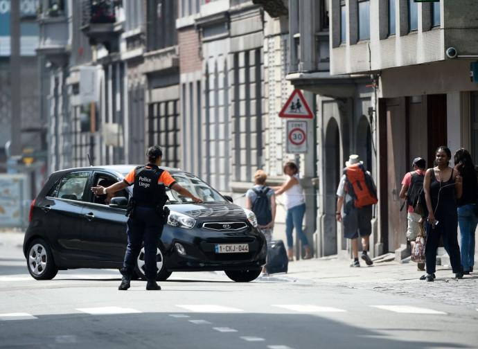 Traffico deviato dalla polizia nella zona colpita