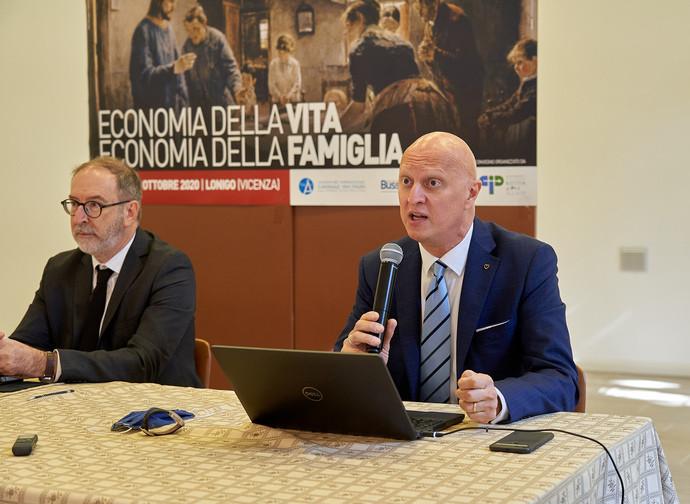 Lonigo, l'intervento di Maurizio Milano (a dx)