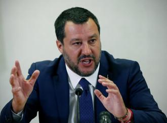 Salvini accerchiato, governo ancora in bilico