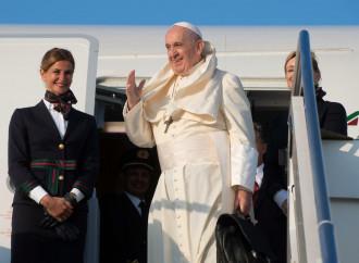 """Mozambico, arriva il Papa """"onorato"""" da """"attacchi"""" Usa"""