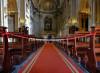Pregare in chiesa si può: il culto è uno stato di necessità