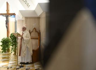 Stato e Chiesa, l'assist del Papa a Conte riallinea i vescovi