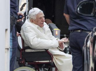 Ratzinger torna a casa, tra promesse e congetture