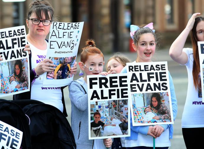Manifestazioni per Alfie