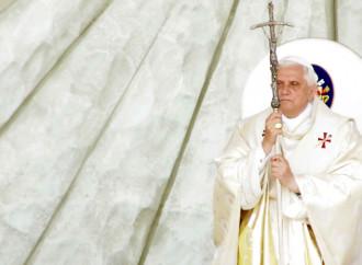 Ratzinger parla ancora e bacchetta gli a-teologi