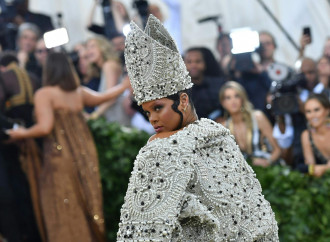 Reliquie e parati sacri: l'intreccio tra Vaticano e Met
