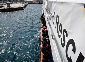 L'Italia fa cambiare rotta alle Ong. Lo dice il diritto del mare