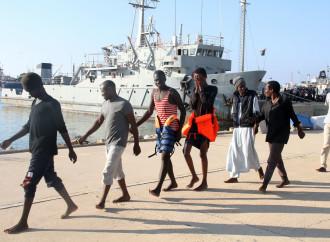 Filtri di mare e di terra: l'Italia soccorre la Libia