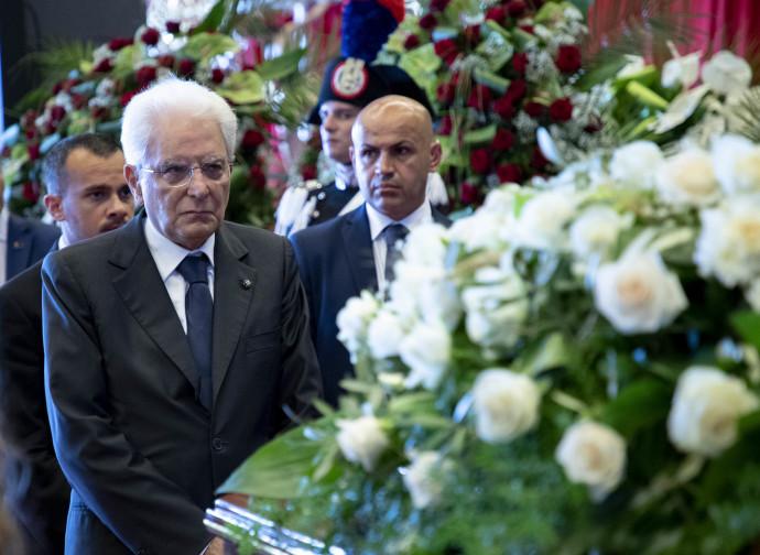 Il presidente Mattarella alle esequie di Genova