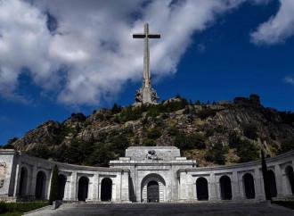 Valle dei caduti, l'obiettivo è colpire il cristianesimo
