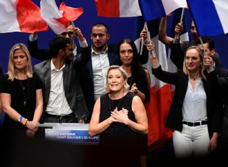 """""""Le Pen in manicomio"""", allarmante purga sovietica"""