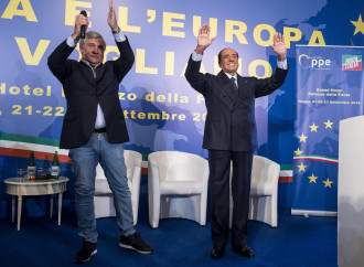 La Lega guarda al piano B. Come Berlusconi