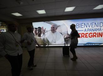 Solo in 27mila dal Papa, migranti in agenda