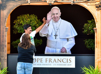 Il Papa negli Emirati, mossa in chiave anti Qatar